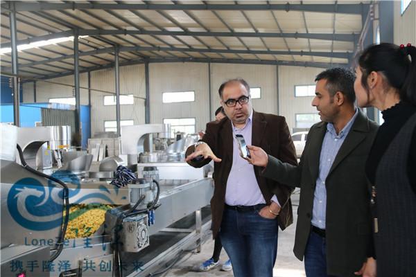 印度客户来厂参观爆米花机生产线